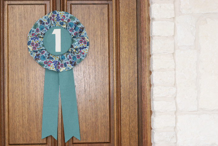 How to make a horse ribbon