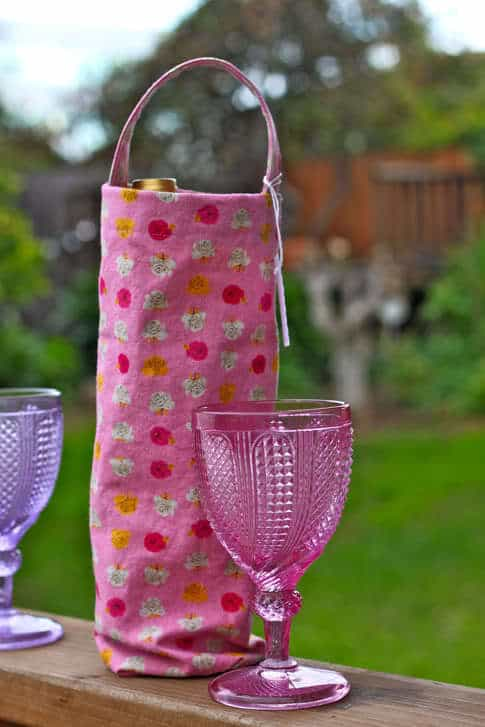 How to Make a Wine Gift Bag | Pretty Prudent