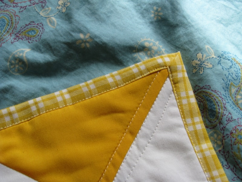 The Easiest Cheat for Binding a Quilt   Pretty Prudent : making binding for a quilt - Adamdwight.com