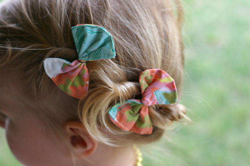 Scrap-Busting Hair Bows
