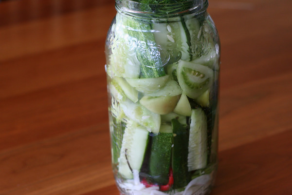 Refrigerator Pickles Part 2: Classic Spicy Dill