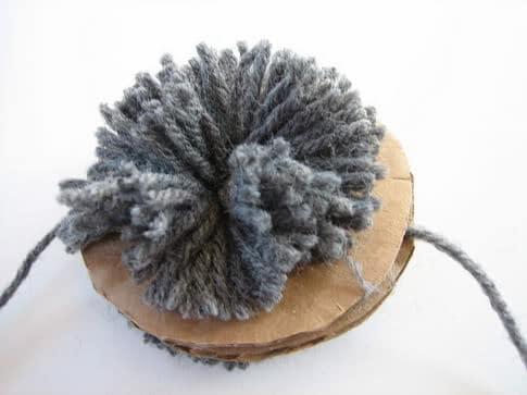 f1012e1f073 How to Make a Yarn Pom Pom