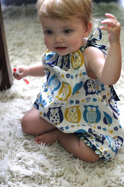 I had a few hours yesterday (I know lucky right?) so I made Miss Quinn a quick little dress using Jaime\u0027s \u201cPillowcase\u201d Dress tutorial.