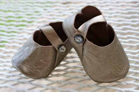 f788dc883d02a DIY Leather Baby Shoes with Free Pattern | Pretty Prudent