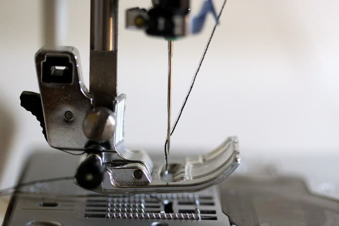 Image of a threaded twin needle on a sewing machine