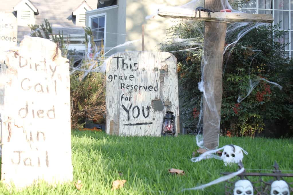 the easiest halloween decoration old west haunted graveyard