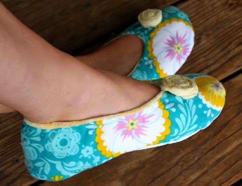 How to Make a Pair of Slippers | eHow