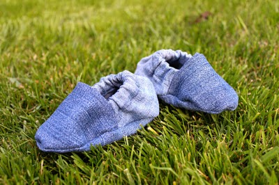 3f0c9298200a6 DIY Baby Shoes (recycled from old jeans) | Pretty Prudent