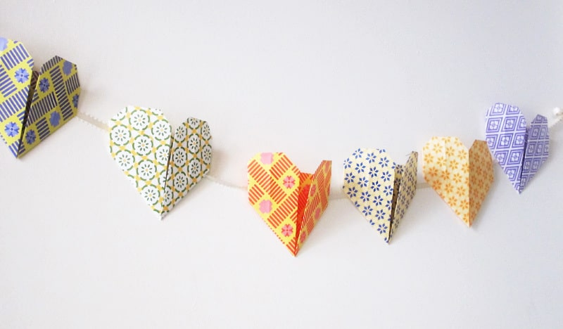 How to Make Origami Hearts Garland