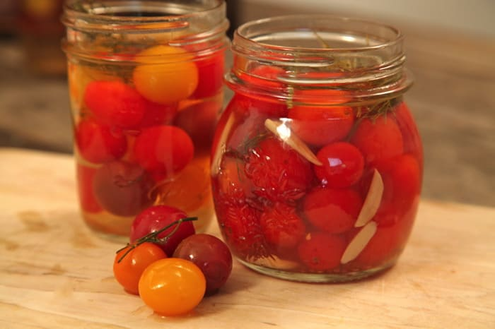 How to Pickle Tomatoes