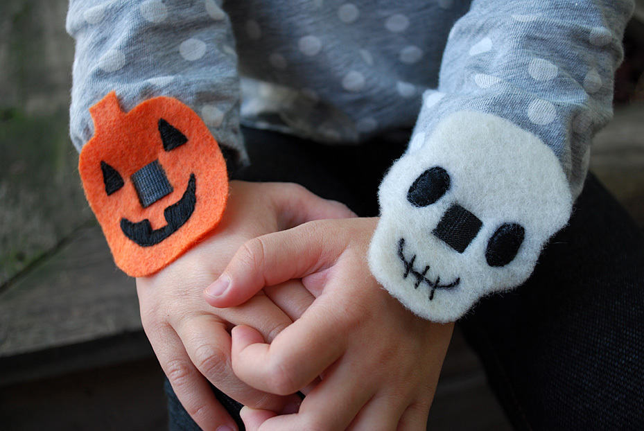 easy-halloween-no-sew-bracelets-pumpkins-and-skulls