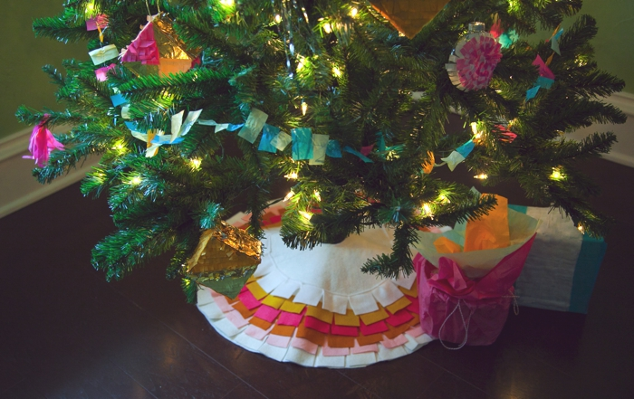 Easy DIY Felt Fringe Tree Skirt
