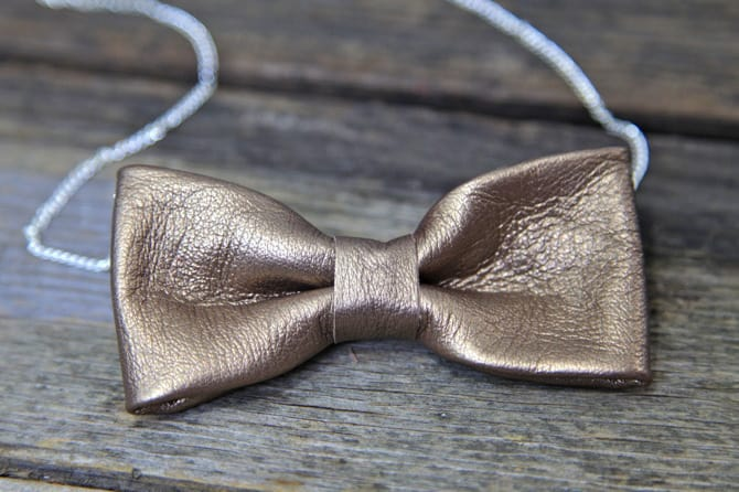 Leather bow necklace DIY