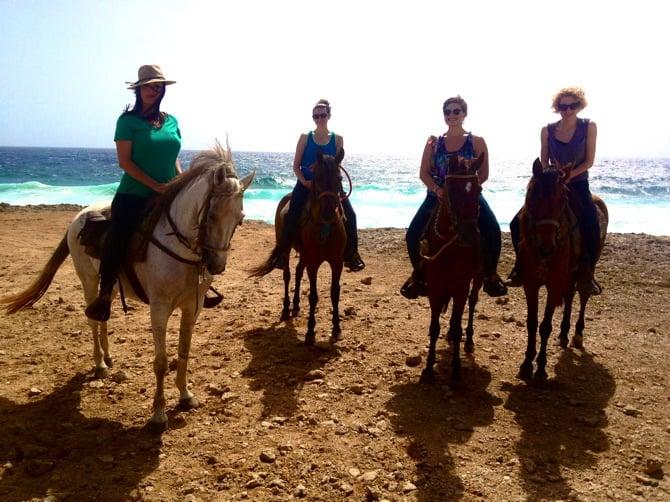horseback aruba girls