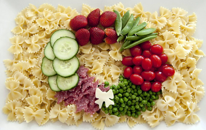 Holiday Potluck Marzettis Vegetable Wreath