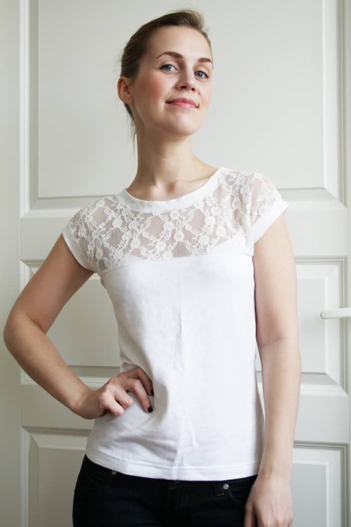 T-shirts are essential for every woman's closet. Choose from plain styles or tops in special fabrics with dazzling appliques. Emanate effortless style for your day to day.