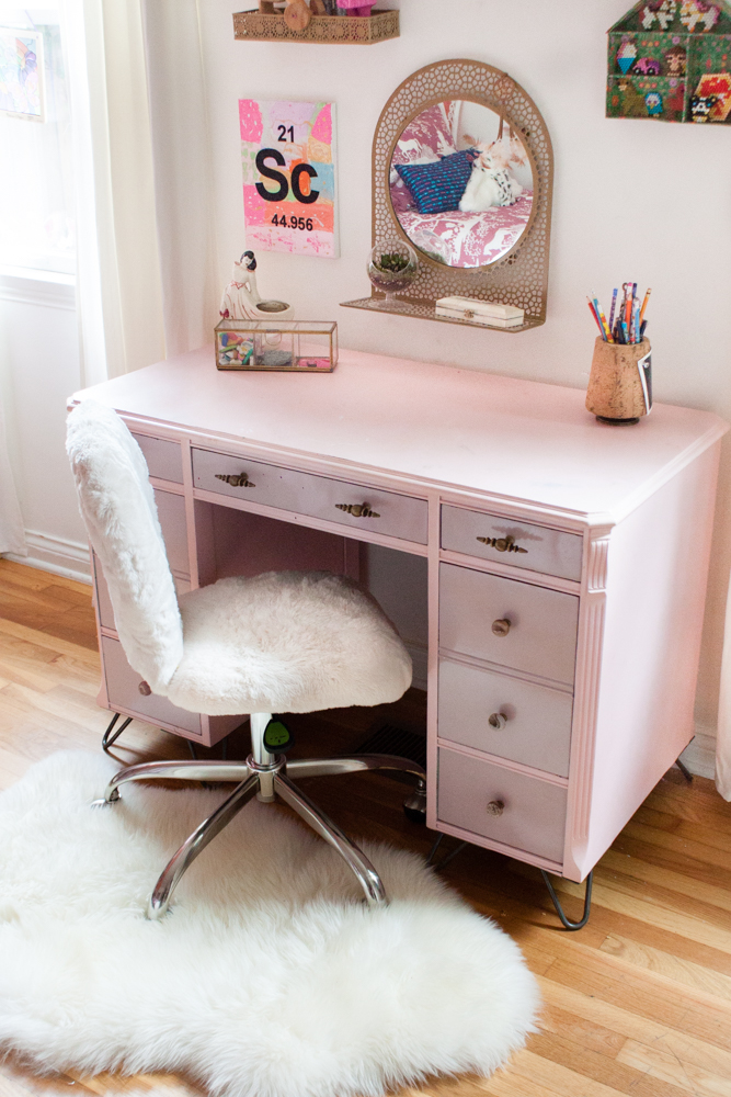 Scarlet's DIY Desk
