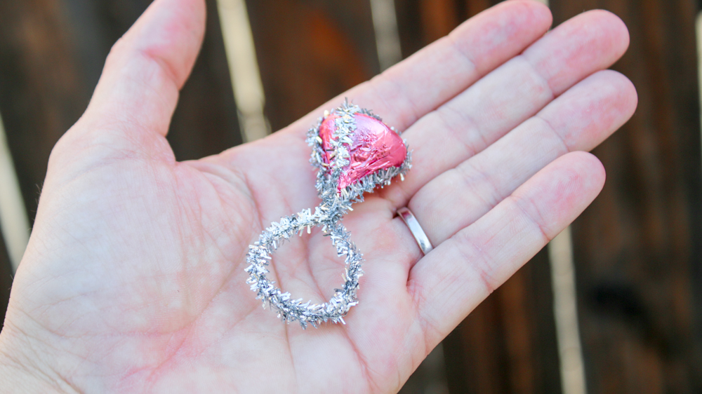30-Second Valentine's Day DIY: The Kiss Ring