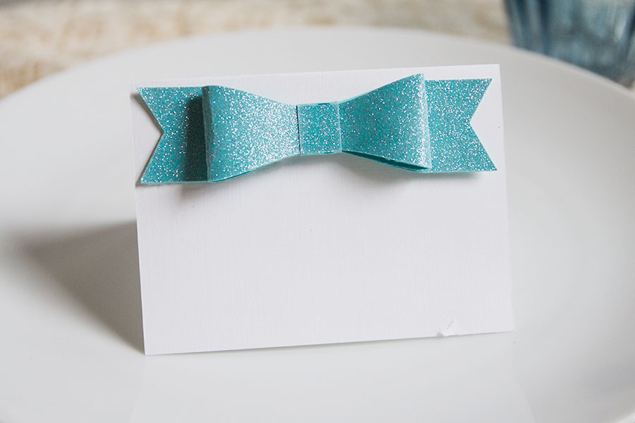 DIY-Glitter-Bow-Place-Cards