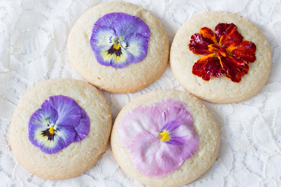 How to Decorate Cookies with Flowers (5 of 5)