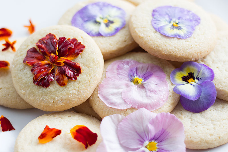 How to Decorate Cookies with Flowers
