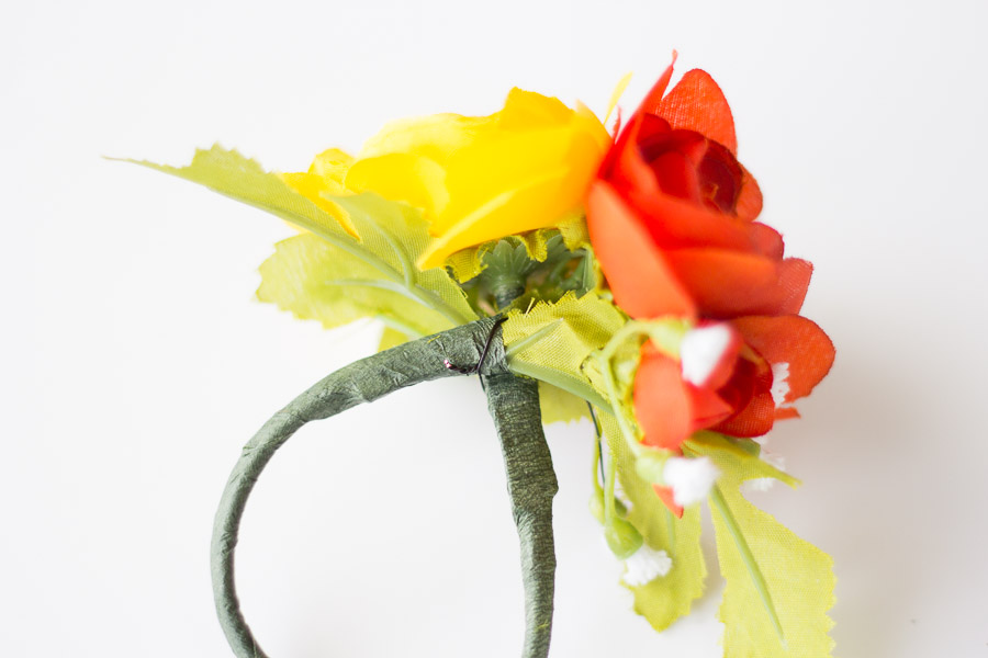 Diy flower napkin rings pretty prudent diy flower napkin rings 9 of 12 mightylinksfo