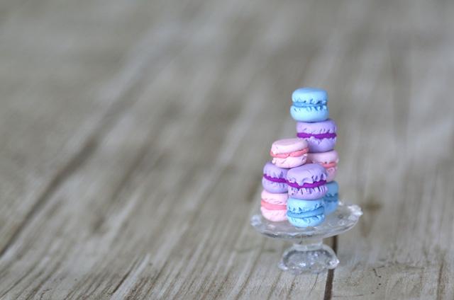 DIY miniature macarons