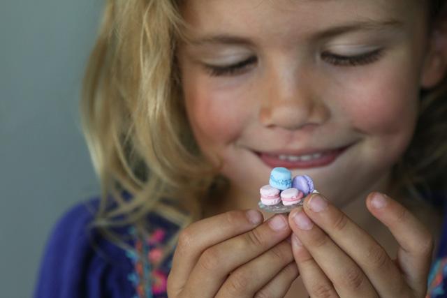 How to make miniature clay macarons.