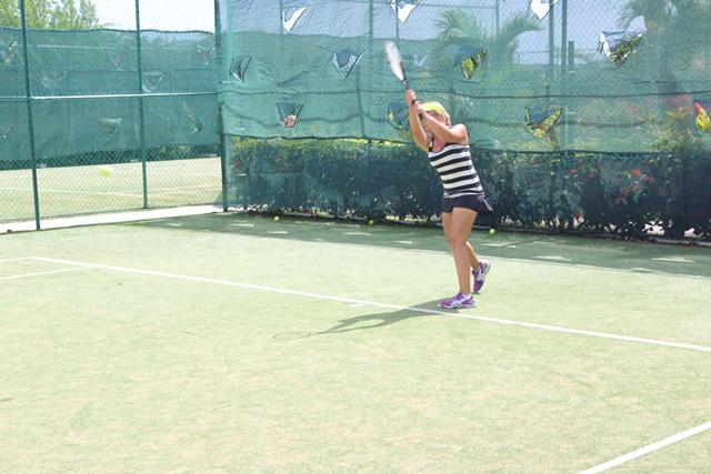 azul sensatori grass tennis court