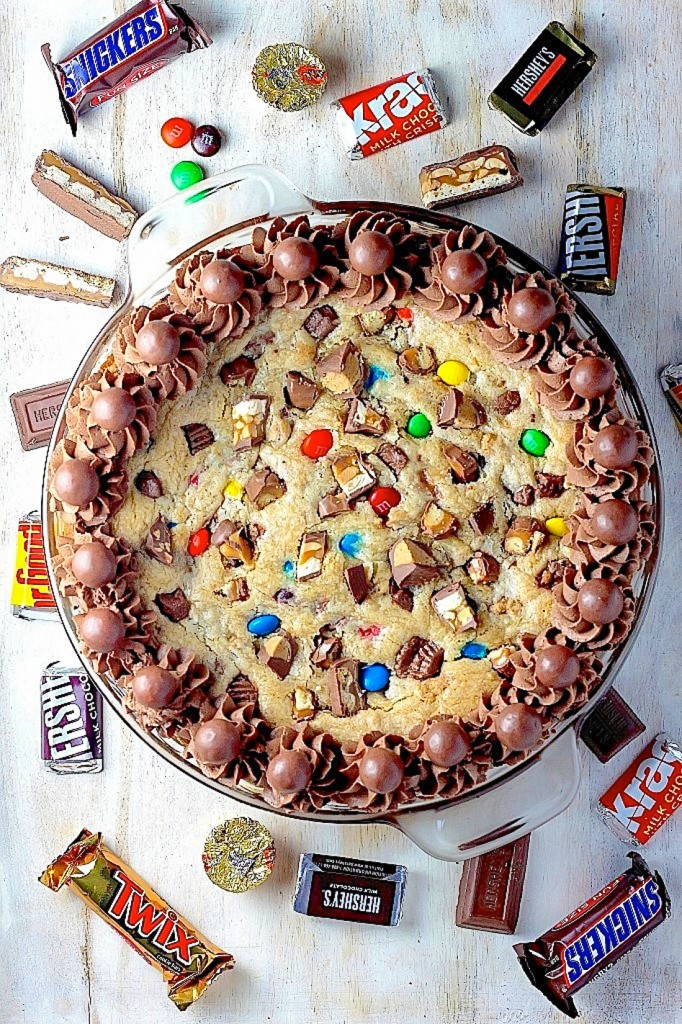 Halloween Candy Cookie Cake Recipe