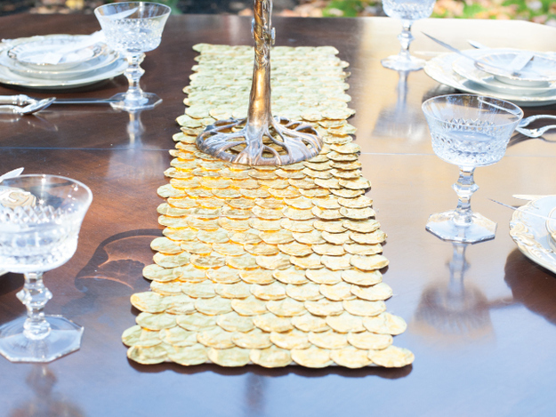 Gelt Table Runner
