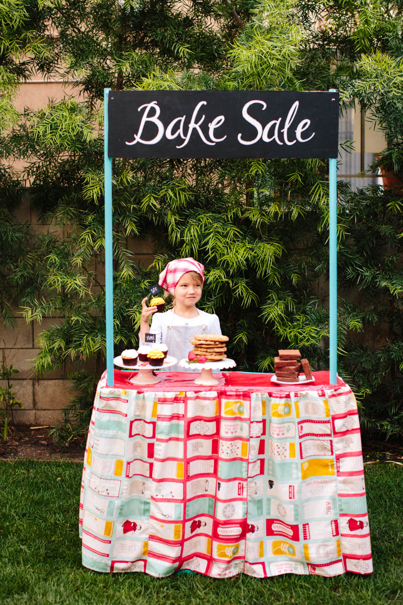 DIY Bake Sale Stand