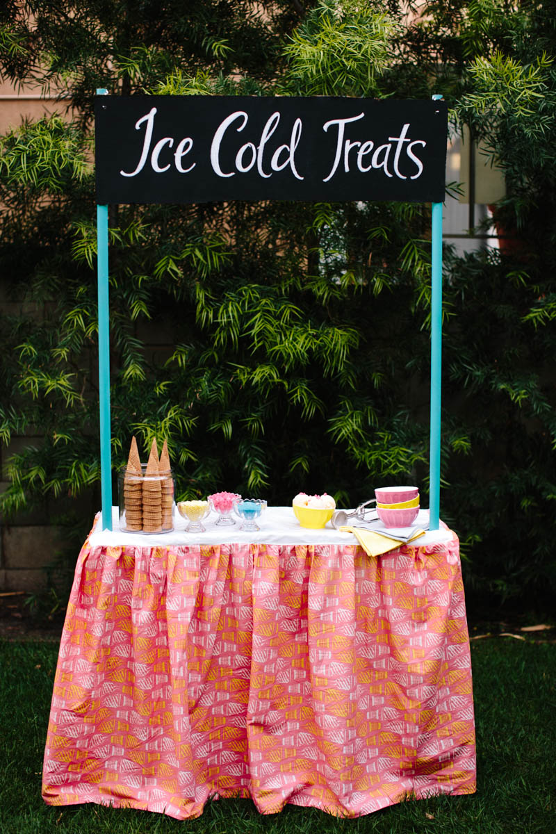 DIY Ice Cream Sale Stand
