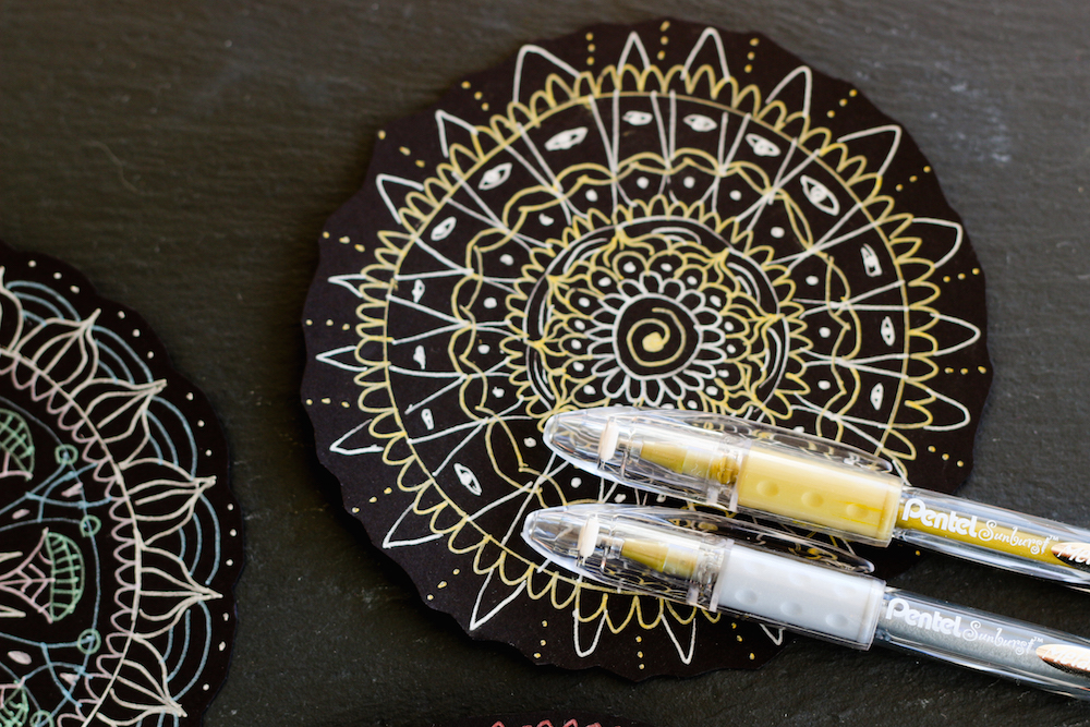 Gel Pen Mandala Gold & White