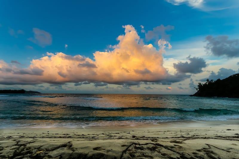 Image Seychelles Sunrise